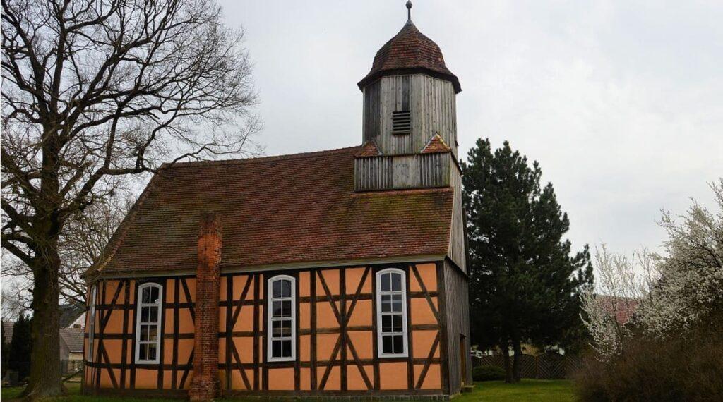 Urlaub in Kemnitz, strandnah, ruhig, Gemeinde Kemnitz, Greifswald, Kirche, Fachwerkbau, beten, Christlich, Kremitz